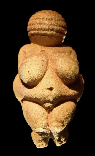 512px-Venus_of_Willendorf_frontview_retouched_2