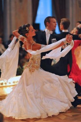 dore dancing