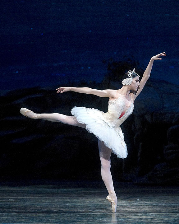 ballet, ballet dancer, swan lake, odette, Carlos Stafford, Model Critic, Gia, Gia On The Move