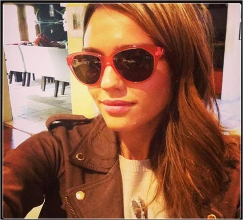 Jessica Alba, Members Only