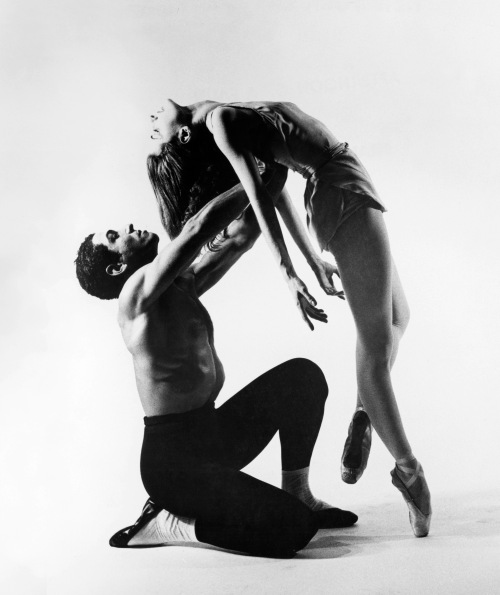 Francisco Moncion and Tanaquil Le Clercq perform in Jerome Robbins' ballet, Afternoon of a Faun, in 1953.