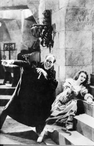 Erik, TThe Phantom (Lon Chaney) and Christine Daaé (Mary Philbin)