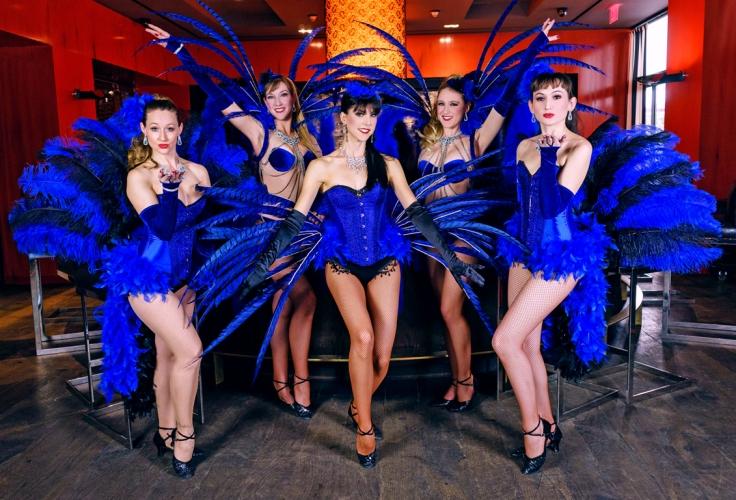 CabaretVersatile_BlueFeathers_Web