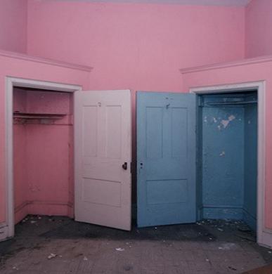 Rose Quartz (TCX): 13-1520 and Serenity (TCX): 15-3919