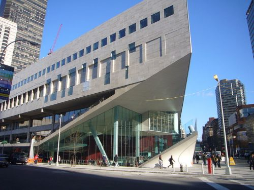 800px-Juilliard_School_-_Alice_Tully_Hall