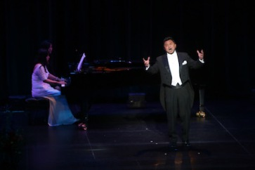Tenor: Oscar ZC. Zhang Piano: Madeline MT Wu. Photo credit: Rex Gelert